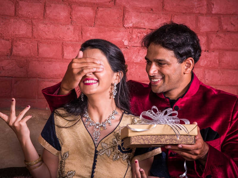 Best Gift ideas for your Wife on Karwa Chauth