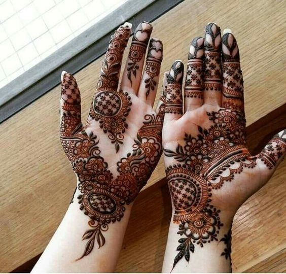 Stylish and Modern Bridal Mehndi Designs for Bride